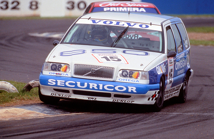 144970_The_Volvo_850_Estate_in_the_1994_BTCC.jpg