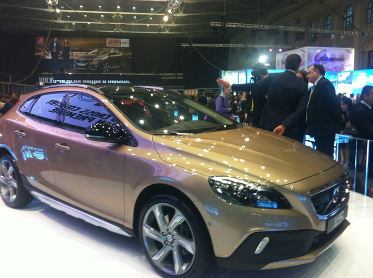 VOLVO V40 CROSS COUNTRY03.jpg